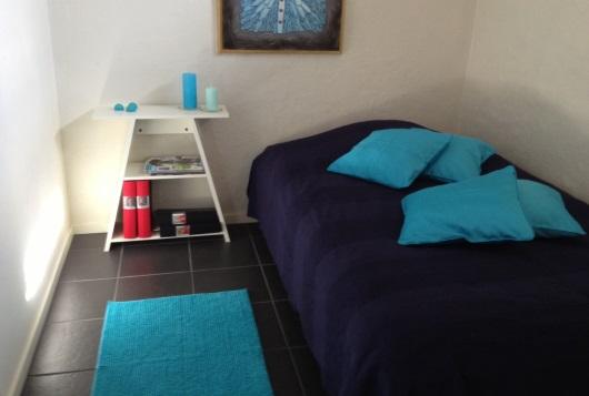 Nya färger i gästrummet piffar upp